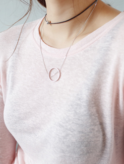 Point necklace ; one color